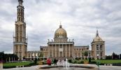 Licheń - Sanktuarium Matki Bożej - w odległości 86 km